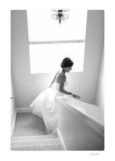 Mike Larson Wedding Photography / #Mikelarson / black & white / stairs / bride walking down stairs