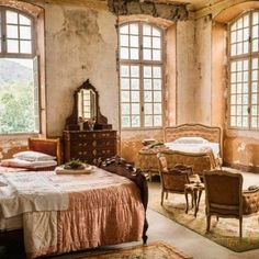 Closet Bedroom, Dream Bedroom, Chateau De Gudanes, English Manor Houses, French Chateau, Diy Bed, French Country Decorating, Fixer Upper, Lounge