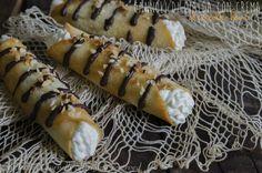 Cannoli di cialda con crema al cioccolato bianco