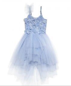 The Perfect Shade of Powdery Blue / Wedding Style Inspiration / LANE