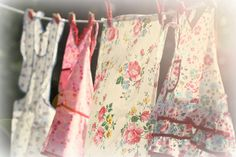 Love vintage aprons!