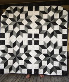 Carpenter's Wheel Quilt made by Dorie Schwarz of Tumbling Blocks, The QAL designed by Anita Peluso of Bloomin' Workshop Quilt Block Patterns, Pattern Blocks, Quilt Blocks, Sewing Patterns, Star Blocks, Star Quilts, Easy Quilts, Quilting Projects, Sewing Projects