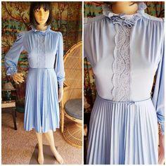 5b5cee4d0 336 Best Charmstruck Vintage Dresses images in 2019