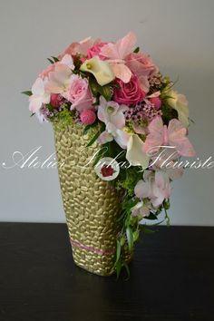 Floral arrangement designed by Atelier Lukas Fleuriste.