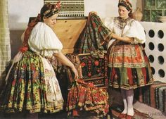 Costume and Embroidery of Sárköz, Hungary Hungarian Embroidery, Types Of Embroidery, Folk Costume, Costumes, The Man Show, Linen Apron, Folk Dance, Geometric Designs, Girls Wear