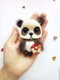 Купить или заказать Норковая брошка медвежонок Панда в интернет-магазине на Ярмарке Мастеров. Эти малыши уже нашли своих любящих хозяек , с удовольствие сделаю похожую брошку панду на заказ ! :) Стоимость брошки 32 дол. Брошка медвежонок Панда сделана из натурального меха норки белого и темно шеколадного цвета. Обратная сторона украшения- замша . Ручки на проволочном каркасе. Цветочки из натуральной кожи, серединки декорированы стеклянными камнями в оправе .