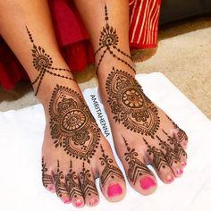 Ideas Indian Bridal Henna Mehndi Toe For 2019 Mehndi Designs Feet, Indian Mehndi Designs, Bridal Henna Designs, Mehndi Images, Henna Ankle, Leg Henna, Henna Mehndi, Mehendi, Hand Henna