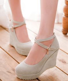 A Woman's Right to Shoes Vans Boots, Shoe Boots, Look Fashion, Fashion Boots, Cute Shoes, Me Too Shoes, Korean Shoes, Frauen In High Heels, Kawaii Shoes