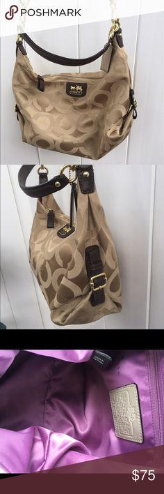Coach handbag 👜 Beautiful Coach handbag 👜 in new condition. No flaws like new. Roomy bag 13 inches high 9 deep. Coach Bags Shoulder Bags