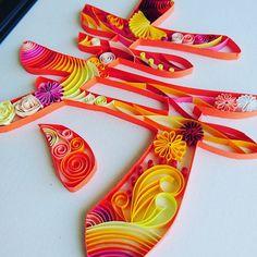 ペーパークイリングで作れるウェディングアイテムまとめ | marry[マリー] Quilling Patterns, Paper Quilling, Diy And Crafts, Arts And Crafts, Paper Crafts, 3d Writing, Mediums Of Art, Origami Paper Art, Prop Design