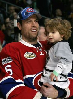 Shea Weber Montreal Canadiens, Mtl Canadiens, Nhl, Shea Weber, Hockey Memes, Canadian Army, Hockey Players, Ice Hockey, My Boys