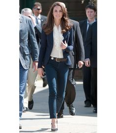 July 6, 2011 - Kate Middleton travel look as she and Prince William headed to Alberta, Canada was simple but sleek. She wore her well-worn but still so polished, Smythe blazer, dark jeans, a Linda Camm belt and slingback wedges.  Kate Middleton Fashion Style - Glam Bistro