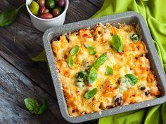 Basilikainen kasvis-makaronilaatikko härkiksestä   Rosa Viini & Ruoka Paella, Ricotta, Italian Recipes, Vegan Recipes, Menu, Rigatoni, Quiche, Mashed Potatoes, Macaroni And Cheese