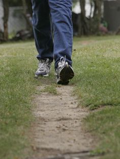 Walking can be a lifesaver, but many need to pick up pace. New studies pinpoint even more health benefits to exercise, especially brisk walking. Health And Fitness Tips, Health And Nutrition, Health And Wellness, Brisk Walking, Ready For Love, Healthy Body Weight, Life Savers, Physical Therapy, Physical Activities
