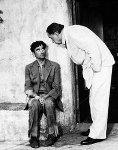 Philippe Noiret y Troisi Massimo en El Cartero (y Pablo Neruda), 1994