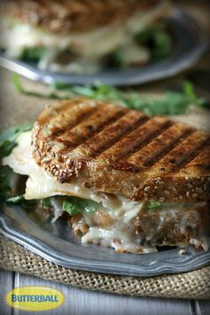 This fall inspired turkey apple brie panini with honey mustard maple mayo is the perfect sweet and savory combination. Would be great as Thanksgiving leftovers! Sandwiches For Lunch, Soup And Sandwich, Wrap Sandwiches, Panini Recipes, Lunch Recipes, Cooking Recipes, Brie, Paninis, Turkey Recipes