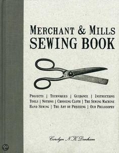Merchant and mills Sewing Book droomjurken leren maken met dit boek! #leuk boek om te leren #naaien #naaiboek #boek #zelf #kleding #maken Wilde je altijd al een beroemde jurk maken? Dan is dit je kans.  Lees verder http://trendbubbles.nl/zelfgemaakte-couture-patronen-en-naaiboeken/ In Engeland zagen we ze in de winkel liggen, maar dit boek is gewoon verkrijgbaar in het Nederlands. Merchant & Mills Sewingbook is er ook in het Nederlands, maar niet op het moment van schrijven van deze…