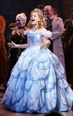 Wicked challenge: Day 14 - Favorite Glinda (actress) : I absolutely love Ally Mauzey, Gina Beck, and Amanda Jane Cooper!!!