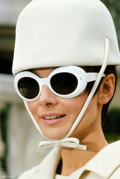 Jackie Kennedy Onassis Sunglasses | Not technically a hat but a head scarf on Jackie Kennedy Onassis: