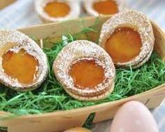 Biscuits oeufs de Pâques : http://www.cuisineaz.com/recettes/biscuits-oeufs-de-paques-67394.aspx