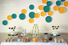 Of course plates make the perfect decor for a cooking party