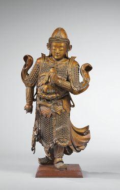 Rare grande statue de gardien en bois laqué or Dynastie Ming-Qing | Lot | Sotheby's