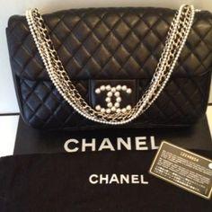 Tip: Chanel Handbag (Black)--- want want want want want!!!!!!!