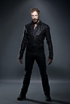 Lost Girl - Kris Holden-Ried as Dyson Kris Holden Ried, Lost Girl Season 4, Anna Silk, Derek Hale, Hot Hunks, Comic Movies, Girl Photos, Movies And Tv Shows, Amazing Women