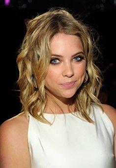 Cute hair! i love her!