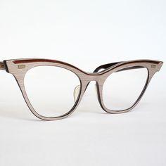wood grain horn rimmed cat eyeglasses