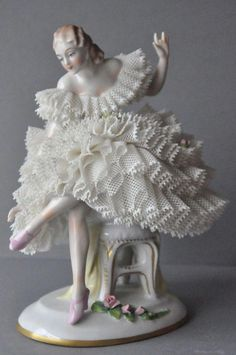W Fine Porcelain China Diane Japan Porcelain Dolls Value, Fine Porcelain, Porcelain Ceramics, Porcelain Tiles, Dresden Dolls, Dresden China, Dresden Porcelain, Ceramic Animals, Porcelain Jewelry