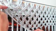 Diy how to make a macrame curtain with trample By: STEFFIDO Wie mache ich einen Makramee-Vorhang mit Trampel? Macrame Wall Hanging Patterns, Macrame Plant Hangers, Macrame Patterns, Macrame Design, Macrame Art, Macrame Projects, How To Macrame, Rope Crafts, Macrame Curtain