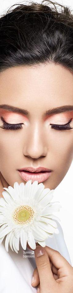 #beauty #fashion #editorial #daisy #flower Bride Makeup, Love Makeup, Beauty Makeup, Birth Flowers, Love Flowers, You Look Fab, Daisy Love, Beauty Full, Flower Fashion