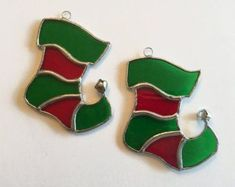 Stained Glass Ornaments, Stained Glass Christmas, Stained Glass Suncatchers, Stained Glass Projects, Glass Christmas Ornaments, Diy Christmas, Christmas Stockings, Christmas Patterns, Christmas Balls