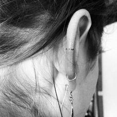 Tatouage discret oreille - The Best Piercing Constellation IDeas & Images Mini Tattoos, Dainty Tattoos, Delicate Tattoo, Little Tattoos, Pretty Tattoos, Body Art Tattoos, New Tattoos, Small Tattoos, Cool Tattoos