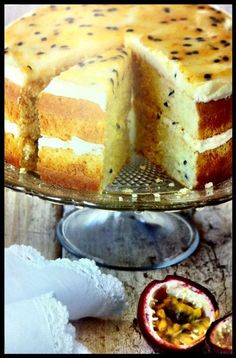 Grenadellakoek Resep Grenadilla (Passion Fruit) Cake recipe South Africa Read More by South African Desserts, South African Recipes, Kos, Baking Recipes, Cake Recipes, Dessert Recipes, Passion Fruit Cake, Ma Baker, Cupcakes