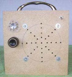 Reflex Receivers First Transistor, Transistor Radio, Diy Electronics, Electronics Projects, Pocket Radio, Radio Channels, Electronic Circuit Projects, Electronic Schematics, Audio Amplifier