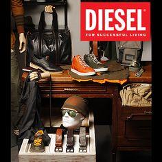 ¡Colección para hombre F/w 2013!  Compuesta de textiles como algodón, lana procesada, denim de colores, índigo puro y polyamidas combinadas con poliéster, se ven reflejados en camisas, chaquetas de colores brillantes y jeans formales.  http://www.elretirobogota.com/esp/?dt_portfolio=diesel-2
