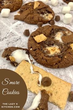 S'more Cookies = A chewy, chocolate cookie loaded with gooey marshmallows, crushed graham crackers and extra chocolate chips. I don't think that you could make these cookies any more perfect than this! . . . . #smorecookies #smores #cookiercipe #cakemixcookies #boxcakemixcookies #dessert #dessertrecipes #easydessertrecipe #easycookierecipe #easydessert Easy Cookie Recipes, Easy Desserts, Dessert Recipes, Smores Cookies, Cake Mix Cookies, Chocolate Lovers, Chocolate Chips, Graham Crackers, Marshmallows