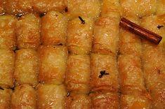 γαλακτομπουρεκάκια (βαρελάκια μικρά) Greek Sweets, Greek Desserts, Greek Recipes, Greek Pastries, Greece Food, Desserts With Biscuits, International Recipes, Food Processor Recipes, Deserts