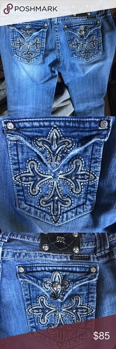 Miss Me jeans size 32 boot cut This is a reposh, as they didn't fit me when I tried them on. No wear or stains. Missing a pocket button, as pictured. Like new condition! Inseam is 32. Waist is 17 inches across. Open to all reasonable offers. Miss Me Jeans Boot Cut