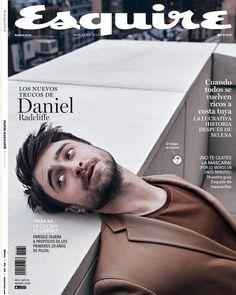 Where Fashion Brats Unite — Daniel Radcliffe Covers Esquire Mexico, March 2020 Magazine Man, Model Magazine, Daniel Radcliffe, Selena, Magazine Cover Layout, Portrait Photography Men, Men Portrait, Jessica Clement, Magazin Covers