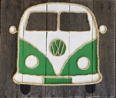 Handmade VW Bus with Rope Beach Pallet Art Coastal Art Rope Art - Pallets - Pallet Crafts, Pallet Art, Diy Pallet Projects, Pallet Ideas, Rock Crafts, Diy And Crafts, Rope Art, Wood Pallets, Pallet Wood