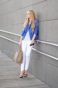 Oh my vogue White Beige, Blue And White, Celine Mini Luggage, Celine Bag, Zara Sandals, Beige Outfit, Blue Crush, Vogue, White Jeans