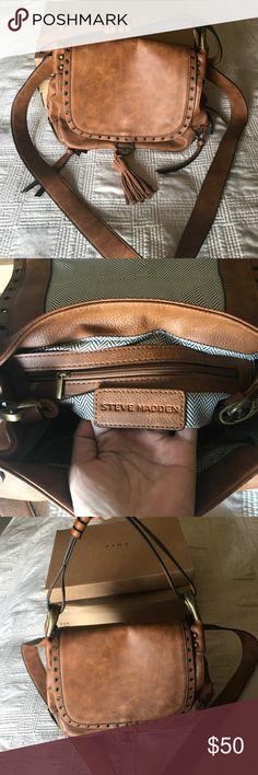 Brand new crossbody Steve Madden purse Brand new crossbody Steve Madden purse! Never been worn 🤗 Steve Madden Bags