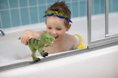 Bath time tips for safe bathing. Tips to keep babies and young children safe during bath time. Sterling Shower, Bathtub Shower Combo, Best Cleaning Products, Shower Doors, Bathtub Doors, Baby Hacks, Baby Tips, Christian Parenting, Kids Bath