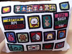 Crochet Chain Stitch, C2c Crochet, Dyi, Pot Holders, Kpop, Cross Stitch Embroidery, Throw Pillows, Hot Pads, Potholders