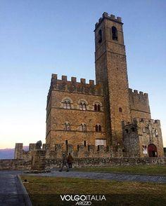 Il Castello dei Conti Guidi a Poppi. Foto di @biancamari_  #volgoarezzo #volgoitalia #volgotoscana #volgosocial #arezzo #toscana #tuscany #castello #castle #chateau #poppi #casentino #castellodipoppi #castillo #iloveitaly #italia #italy #tourism #trip #travel #instatravel #travelgram #turismo #italyturism #italytrip #italytour #travelingram #visit #madeinitaly #instago