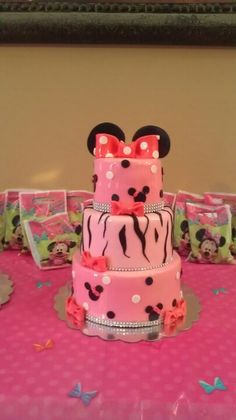 Mini mouse first birthday cake.