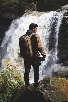 Inspirations by Grizz Photography Poses For Men, Outdoor Photography, Lifestyle Photography, Portrait Photography, Travel Pose, Mens Photoshoot Poses, Adventure Aesthetic, Aesthetic Photography Nature, Adventure Photography